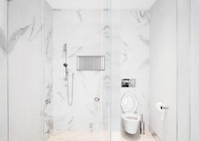 Unit B Bathroom 3-2