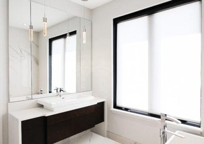 Unit B Bathroom 3-3